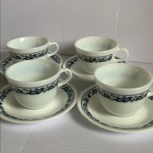 Vintage Pyrex Old Town Blue cup set
